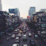 渋滞での交通事故を防いでくれる自動ブレーキ装置はどこまで安全?